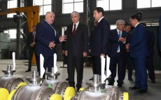 """The Head of State visited """"Saryarka"""" special economic zone and """"Alfarukh"""" logistics center"""